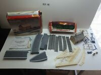Hornby  R8000 Country Station(Not Complete) Plus R551(Not Complet)