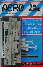 PLUS Model AERO LINE 4020 1/48 MISSILE RUSSO r-23t aa-7b Apex (2 pz.)