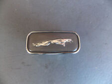 97 03 Jaguar Xj8 Xjr Vanden Plas Right Front Fender Emblem