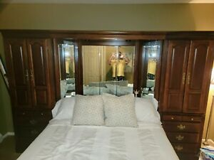 QUEEN CHERRY BEDROOM SET. HEADBOARD WITH MIRROR AND 2 CABINETS - EXCLUDES BED