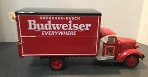 DANBURY MINT 1937 BUDWEISER DELIVERY TRUCK W/40-BARRELS  IN BOX 1:24
