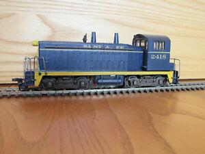 "Athearn ""Blue Box"" SW-7 Diesel Switcher, ATSF #2418"