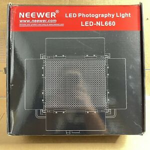NEEWER LED-NL660 LED VIDEO/PHOTOGRAPHY LIGHT PANEL WITH BARN DOORS