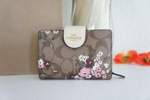 NWT Coach C3773 Medium Corner Zip Wallet  Evergreen Floral Print Khaki Multi