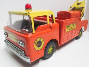 1960's NYLINT POWER & LIGHT CO. FORD C-600 CABOVER #3300 POST HOLE DIGGER TRUCK