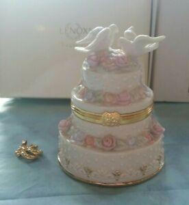 LENOX Celebration of Love Treasure Box Porcelain Hinged Wedding Cake Doves NIB