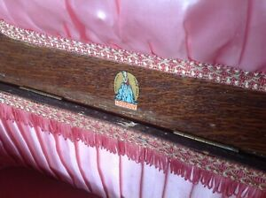 MORCO VINTAGE 1950s SEWING WORK BOX WITH ORIGINAL PINK LINING