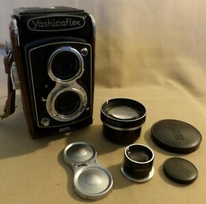 YASHICAFLEX TLR 120 6X6 FILM CAMERA WITH CASE & AUX TELEPHOTO LENS & VIEW FINDER