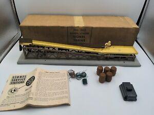 LIONEL BARREL LOADER 362-103 Complete with Original Box and Barrels 1950's