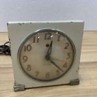 VINTAGE WESTCLOX Art Deco Ivory SQUARE Luminous CLOCK WORKS Alarm Does Not Cool