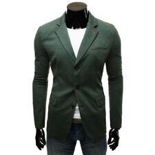Trajes de hombre en color principal verde