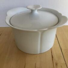 ARZBERG CORSO WHITE ROUND CASSEROLE WITH LID SCALLOPED EMBOSSED RIM