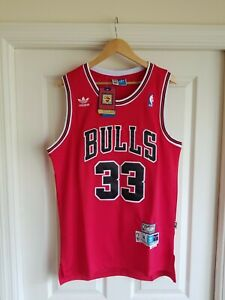 NWT Scottie Pippen Chicago Bulls RED Jersey Throwback Classic Retro MEDIUM