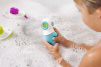 Boon - Marco Light Up Bath Toy Color-changing light