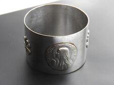 ancien rond de serviette en métal argenté *St. Madeleine* gravé St.Baume ORA P.N