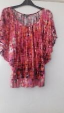 PATTERNED TOP WITH BAT SLEEVES..SIZE 8 FROM ET VOUS.BNWT