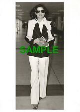 PHOTO BIANCA JAGGER FLIES BACK TO NEW YORK 1978 - ROLLING STONES MICK JAGGER