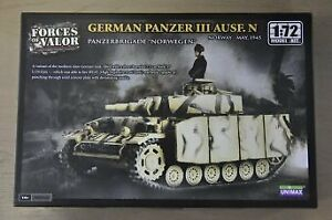Forces of Valor - German Panzer III Ausf. N- Norway May 1945 1:72 Model Kit 8701