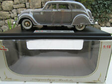 "CHRYSLER AIRFLOW ""SIGNATURE MODELS"" 1/18 en boite TBE"