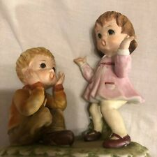 Vintage Hand Painted Lefton Figurine Surprised Girl And Boy Cute Kw8007