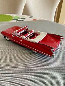 1992 The Danbury Mint 1:24 1959 Cadillac Series 63 Convertible Die Cast Car
