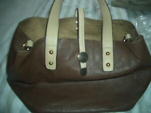 CHARMING CHARLIE ladies Cream & brown  messenger /shoulder bag