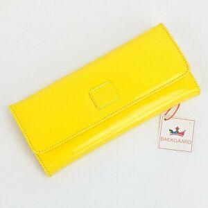 Vera Bradley Baekgaard Clutch Wallet YELLOW BANANA Patent Leather Tie-Dye NWT