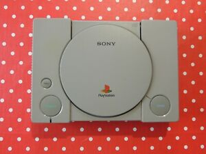 Playstation 1 PS1 Modell SCPH-1002 mit Chich Ausgang - nur Konsole Ersatz
