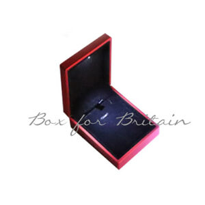Led Pendant Box, Luxury Soft Touch Red Pendant Necklace Box with LED Light.