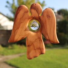 Fensterdeko aus Holz Engel mit Bleikristall, Dekohänger, Olivenholz - Handarbeit