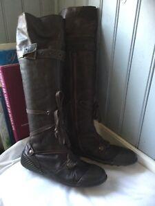 bottes PATAUGAS plein cuir brun .T 38 .  TBE . ( A)