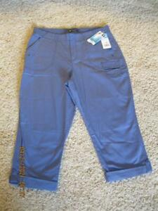 Ladies Lee Size12M Relaxed Fit Snap/Elastic Waist Cuffed Cargo Crops Light Blue