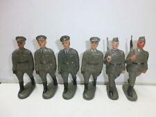 Konvolut 6 alte Lineol DDR Spielzeug NVA Massesoldaten Marschzug zu 7.5cm