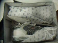 La/Gear Gray / White Tennis Sport Shoes Size 1 M