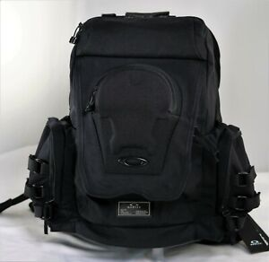 Oakley Icon Backpack Blackout 921431-02 Computer Laptop Mac Ipad Travel Carry On