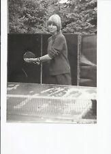 Foto GD8 Hübsche Junge Frau Mädchen beim Tischtennis (6) ca. 18x24cm
