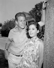 PEYTON PLACE - TV SHOW PHOTO #14 - BARBARA PARKINS + RYAN O'NEAL