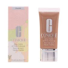 Clinique maquillaje Stay Matte Oil 19