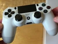 PLAYSTATION 4 OFFICIAL SONY DUALSHOCK 4 CONTROLLER  PS4 WHITE GAMEPAD