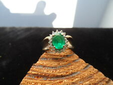 10K. YELLOW GOLD RING GREEN CHROME DIOPSIDE AND DIAMONDS 3.4 GRAMS SIZE 7