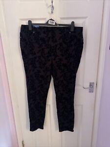 BNWT Black Velvet Textured Floral Print Leggings From Terra & Sky Size XL 18/20