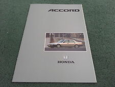 Nov. 1988/modèle 1989 HONDA ACCORD Berline inc 2.0i-16 UK 28 page brochure