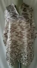 Chico's Travelers 0 Top Silver White Shirt 3/4 Sleeve Animal Print V Neck NWT