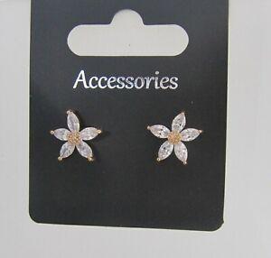 Elegant Crystal Flower Stud Earrings for Pierced Ears Wedding Accessories New