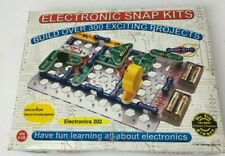 ELECTRONIC SNAP KITS ELECTRONICS 202 - OVER 300 PROJECTS and OVER 60 PARTS F3
