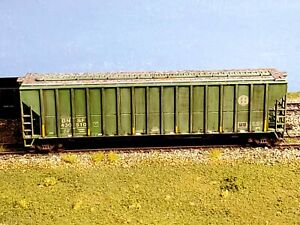 Hand Weathered Athearn Covered Hopper BNSF #430510
