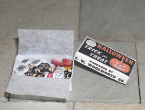 HAND-MADE DOLLS' HOUSE 1/12TH SCALE BOX OF HALLOWEEN SWEETS
