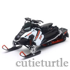 New Ray Polaris 800 Switchback Pro-X Snowmobile 1:16 57783 A White