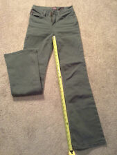 Bongo light olive green jeans juniors womens size 1 Great quality! Embroidered.