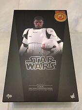 Hot Toys MMS 367 Star Wars Finn (First Order Stormtrooper Version) John Boyega